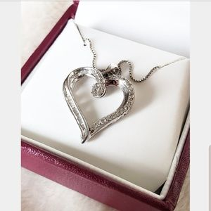 💍Helzberg Diamonds Silver Heart Necklace💍